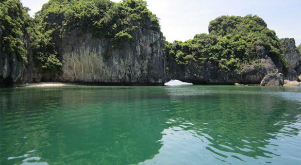 Ba Trai Dao Islet – Halong Travel Guide