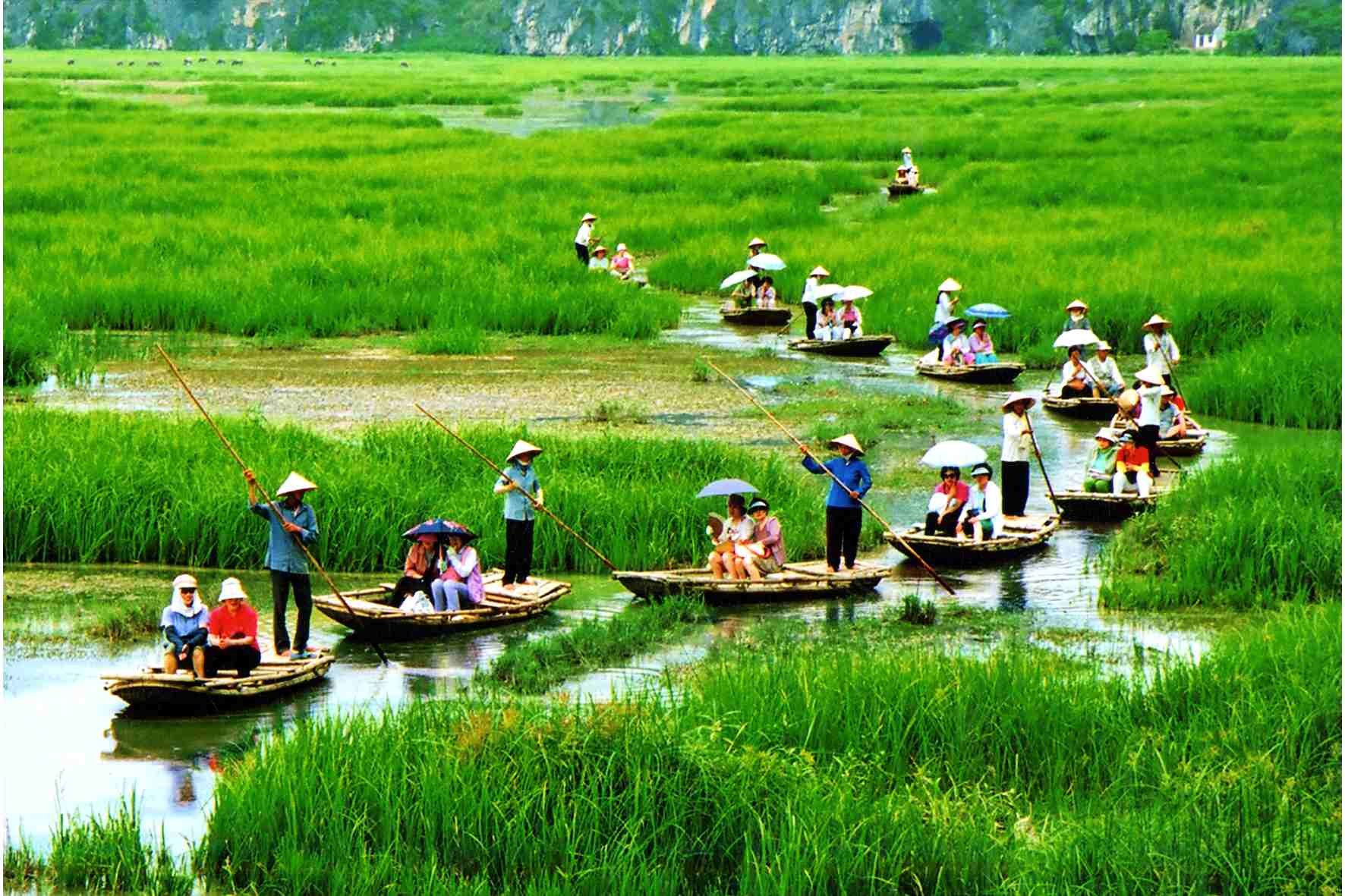 Lohval: Hoa Lu Tam Coc Hanoi Daily Tour