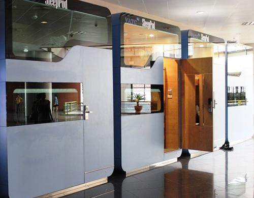 Sleep-box service resumes at Noi Bai Airport
