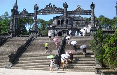 Hue launches golden tourism week