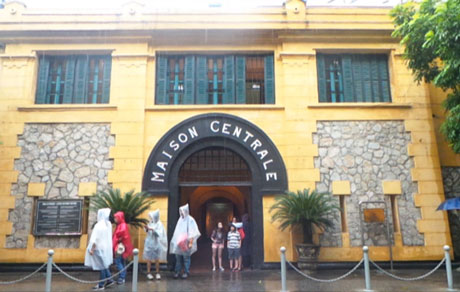 Hoa Lo Prison named the scariest destination in Southeast Asia - Halong Sapa Packages
