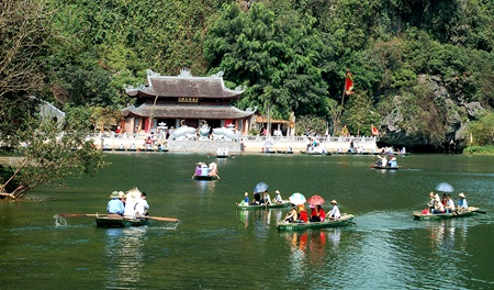 Tourism sector expects to benefit from ASEAN Community - Halong Sapa Packages
