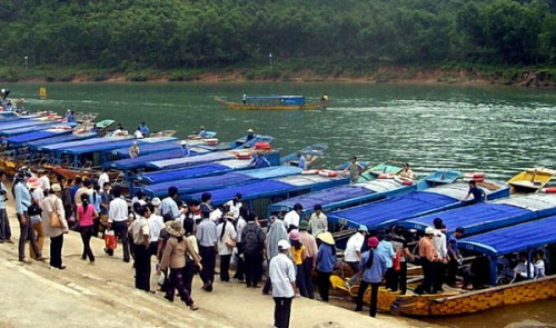 Vietnam province to readjust admission fees after hike