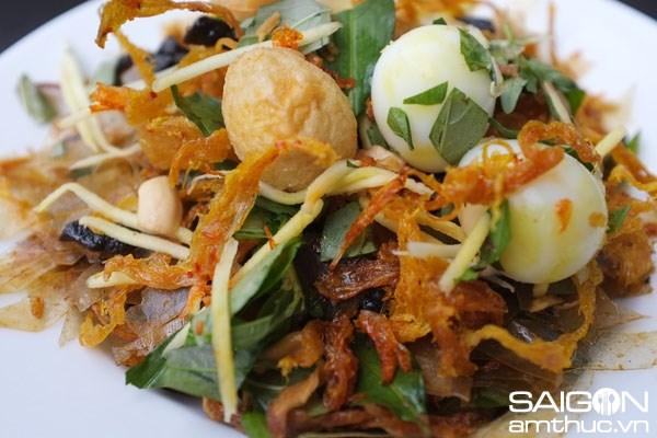 Top 10 Saigon street foods you should not miss