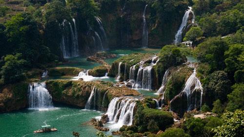 Ban Gioc among world's top 15 amazing waterfalls - Halong Sapa Packages