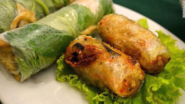 Vietnamese fried spring rolls ranks world's top 10 culinary dish