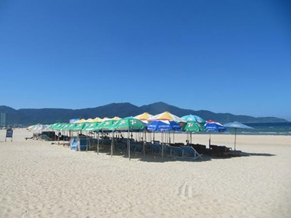 Da Nang cracks down on beach litter