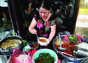 Aromatic noodles fill bellies in Old Quarter