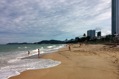 Nha Trang to open night beach