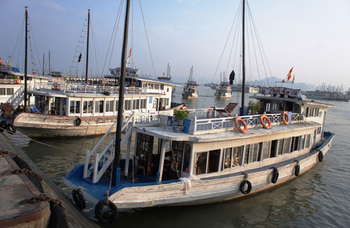 15-year-old wooden boat ban in Ha Long Bay sparks outcry from local firms