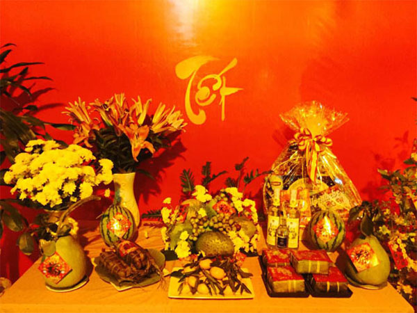 Foreigners join Tet celebrations 2
