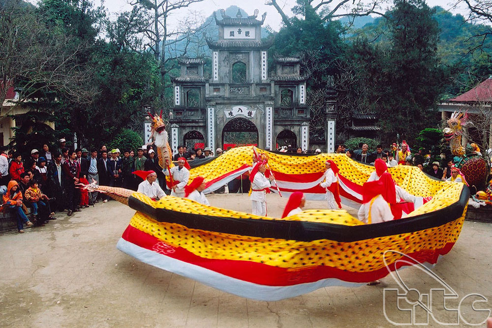Huong Pagoda Festival officially opens