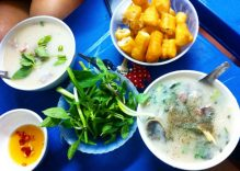 Breakfast in the Old Quarter: pig's offal porridge