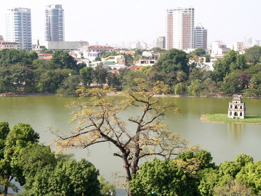 Hanoi to ban vehicles around Hoan Kiem Lake to attract tourists