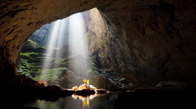 360 tourists book adventure tour of Son Doong Cave