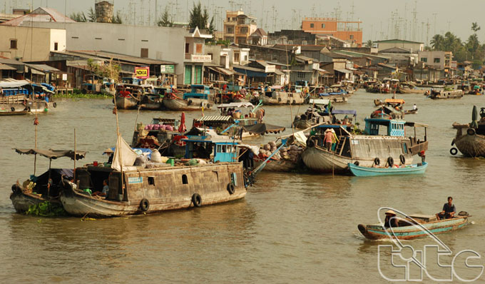 a-24-hour-discovery-of-cai-be-floating-market
