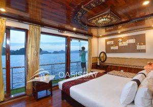 Oasis Bay Cruises Halong